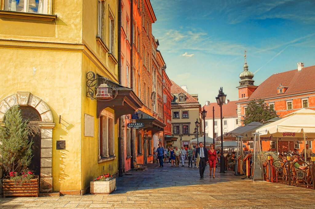 Plac-Zamkowy-Old-Town